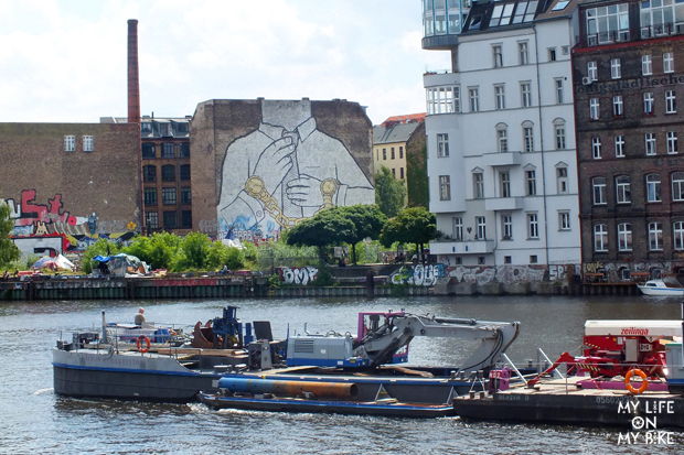 Spree River and BLU, Berlin, Photo Fernanda Hinke